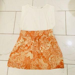 Club Monaco 100% silk skirt Sz 6